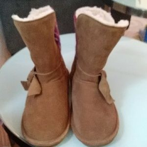 🌼BearPaw Ankle Boots🌼